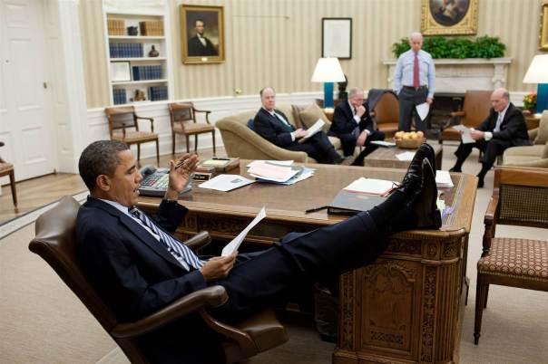 170228-obama-desk-feet-oval-office-1247p_2940fdb243791fa828c40e9fe3464397.nbcnews-ux-2880-1000.jpg