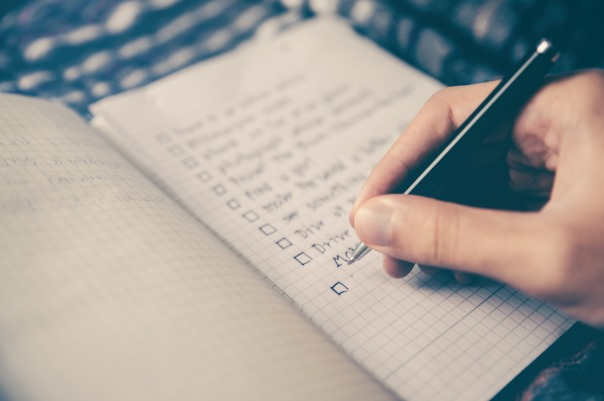 https-pixabay.comenchecklist-goals-box-notebook-pen-2589418.jpg