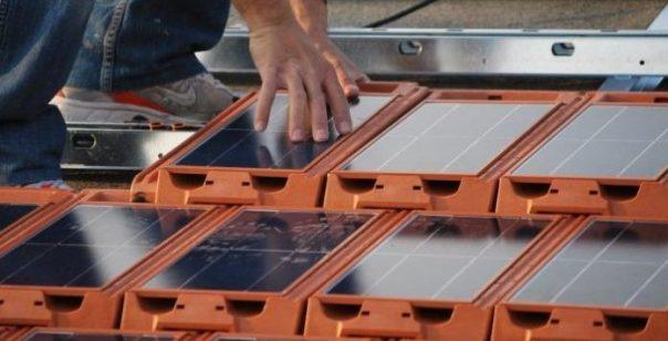 telhas-solares-fotovoltaicas-696x355.jpg